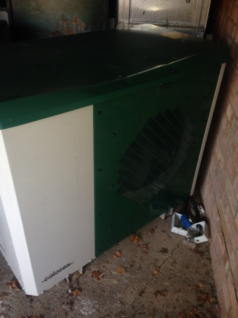 SOLD: Calorex AW9002AHY 8.4kw Second Hand Domestic Heat Pumps