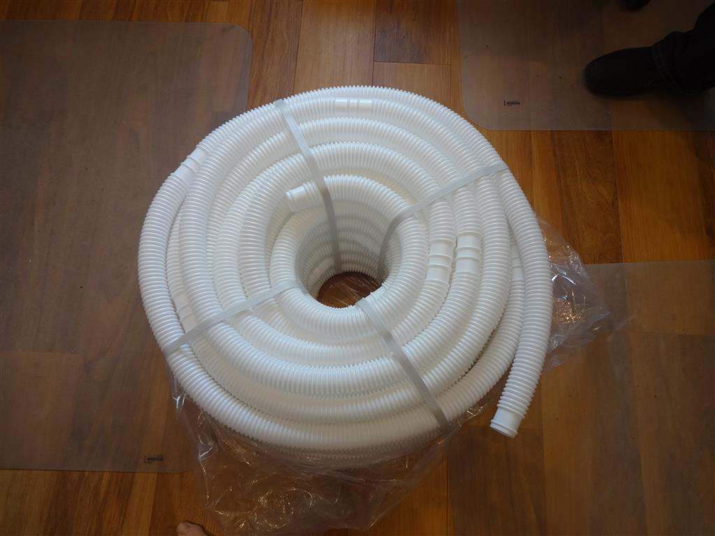 1-25-inch-pool-hose-pic1.JPG