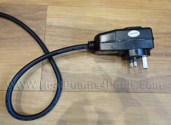hot splash pool heat pump UK plug