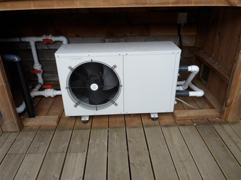Sold Duratech Eco12 Second Hand Swimming Pool Heat Pump