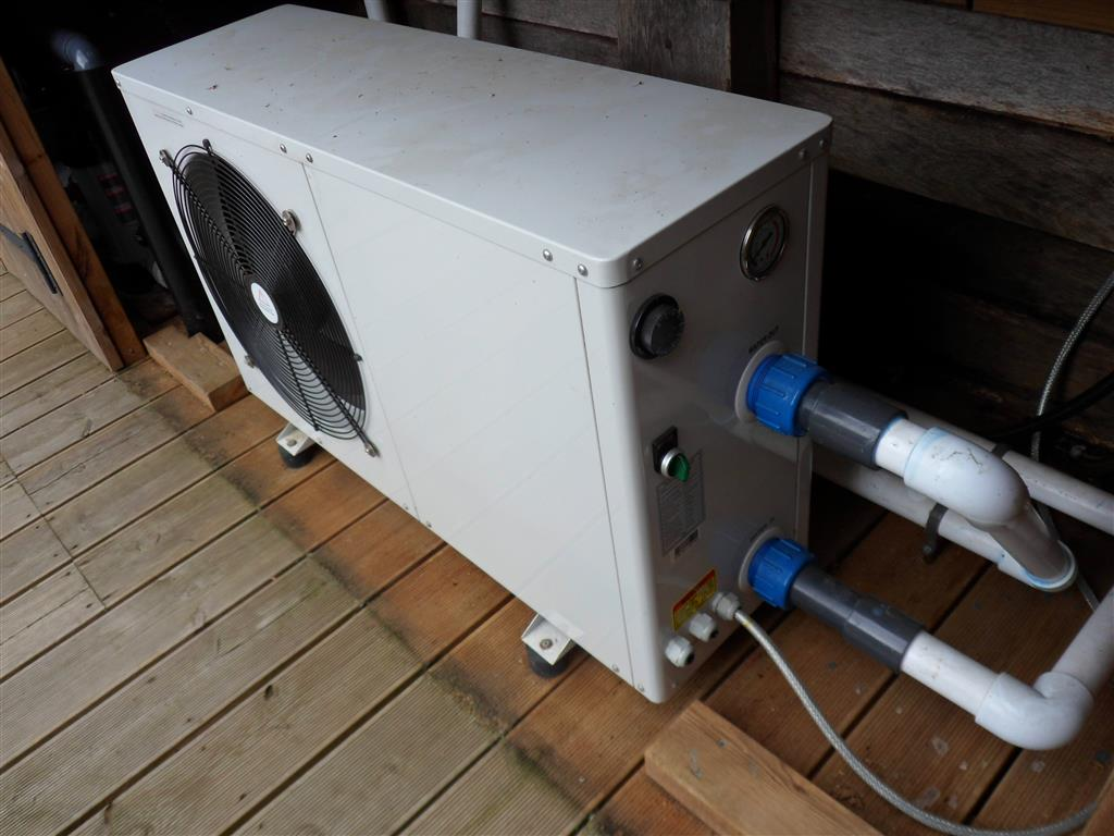 Sold Duratech Eco12 Second Hand Swimming Pool Heat Pump Duratech Eco 12