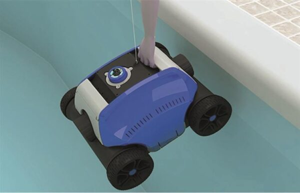 coyote-robotic-cleaner-pic2
